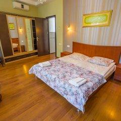 Отель Silver сейф в номере
