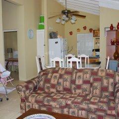 Отель Palm View At The Emerald Estate Gated Ямайка, Монастырь - отзывы, цены и фото номеров - забронировать отель Palm View At The Emerald Estate Gated онлайн комната для гостей фото 4