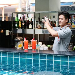 Отель Sunshine Hotel And Residences Таиланд, Паттайя - 7 отзывов об отеле, цены и фото номеров - забронировать отель Sunshine Hotel And Residences онлайн гостиничный бар