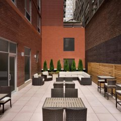 Отель Hilton Garden Inn New York Times Square South с домашними животными