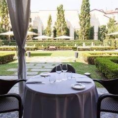 Отель Grand Visconti Palace Италия, Милан - 12 отзывов об отеле, цены и фото номеров - забронировать отель Grand Visconti Palace онлайн питание