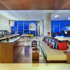 Отель W Seoul Walkerhill Южная Корея, Сеул - отзывы, цены и фото номеров - забронировать отель W Seoul Walkerhill онлайн гостиничный бар