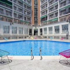 Отель Residencia Universitaria Vallehermoso бассейн