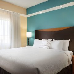 Отель Fairfield Inn And Suites By Marriott Mall Of America Блумингтон комната для гостей