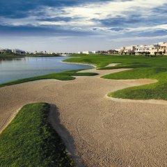 Отель Crowne Plaza Dubai спортивное сооружение