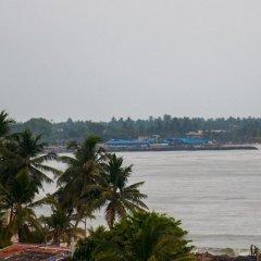 Отель Marine Tourist Beach Guest House Negombo Beach Шри-Ланка, Негомбо - отзывы, цены и фото номеров - забронировать отель Marine Tourist Beach Guest House Negombo Beach онлайн приотельная территория