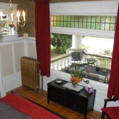 Отель Windsor Guest House Канада, Ванкувер - отзывы, цены и фото номеров - забронировать отель Windsor Guest House онлайн балкон