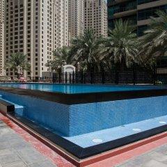 Отель HiGuests Vacation Homes-Marina Quays бассейн