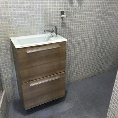Отель Madrid de los Austrias II Испания, Мадрид - отзывы, цены и фото номеров - забронировать отель Madrid de los Austrias II онлайн ванная
