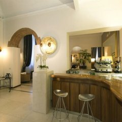 Отель De La Pace, Sure Hotel Collection by Best Western Италия, Флоренция - 2 отзыва об отеле, цены и фото номеров - забронировать отель De La Pace, Sure Hotel Collection by Best Western онлайн гостиничный бар