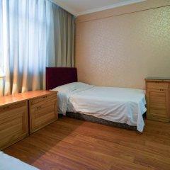 Beijing Wang Fu Jing Jade Hotel комната для гостей