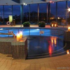 Castleknock Hotel бассейн