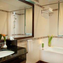Отель Diamond Westlake Suites Ханой ванная