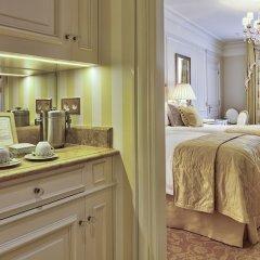Отель Four Seasons George V Париж удобства в номере фото 2