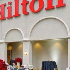 Отель Hilton Checkers парковка
