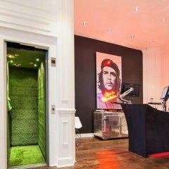 The Exhibitionist Hotel интерьер отеля
