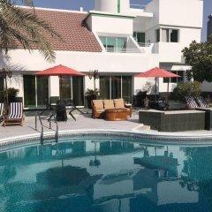 Отель Al Khalidiah Resort ОАЭ, Шарджа - 1 отзыв об отеле, цены и фото номеров - забронировать отель Al Khalidiah Resort онлайн бассейн фото 4