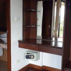 Отель Chaweng Lakeview Condotel сейф в номере