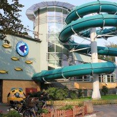 Отель Kolorowa Guest Rooms бассейн
