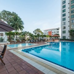 Отель Somerset Chancellor Court Ho Chi Minh City бассейн фото 3
