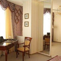 Отель Атлаза Сити Резиденс Екатеринбург сейф в номере