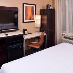 Отель Holiday Inn New York City - Times Square США, Нью-Йорк - отзывы, цены и фото номеров - забронировать отель Holiday Inn New York City - Times Square онлайн удобства в номере фото 2