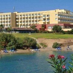 Отель Atlantica Sea Breeze Кипр, Протарас - отзывы, цены и фото номеров - забронировать отель Atlantica Sea Breeze онлайн приотельная территория