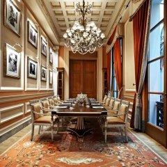 Отель Grande Bretagne, a Luxury Collection Hotel, Athens Греция, Афины - отзывы, цены и фото номеров - забронировать отель Grande Bretagne, a Luxury Collection Hotel, Athens онлайн развлечения