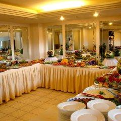 Buyuk Berk Otel Турция, Айвалык - отзывы, цены и фото номеров - забронировать отель Buyuk Berk Otel онлайн питание
