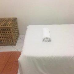 Отель Orange Pekoe Guesthouse Малайзия, Куала-Лумпур - отзывы, цены и фото номеров - забронировать отель Orange Pekoe Guesthouse онлайн ванная