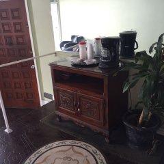 Отель Bevonshire Lodge Motel США, Лос-Анджелес - 1 отзыв об отеле, цены и фото номеров - забронировать отель Bevonshire Lodge Motel онлайн интерьер отеля фото 2