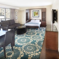 DoubleTree by Hilton Hotel Alana - Waikiki Beach интерьер отеля фото 2