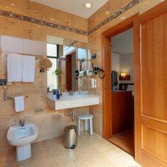 Отель Tryp Madrid Atocha Hotel Испания, Мадрид - 8 отзывов об отеле, цены и фото номеров - забронировать отель Tryp Madrid Atocha Hotel онлайн ванная