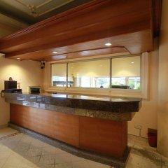 Отель Choy's Waterfront Residence бассейн