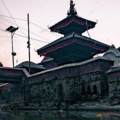 Отель OYO 149 Kalpa Brikshya Hotel Непал, Катманду - отзывы, цены и фото номеров - забронировать отель OYO 149 Kalpa Brikshya Hotel онлайн приотельная территория фото 2
