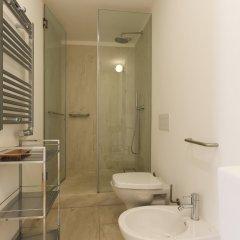 Отель Combro Suites by Homing ванная фото 2