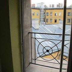 Отель Жилое помещение Mansarda S Санкт-Петербург балкон