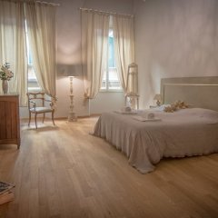 Отель Breathtaking 4BD Apt 5min Walk to Duomo комната для гостей фото 3