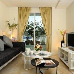 Апартаменты Sabai Sathorn Serviced Apartment Бангкок комната для гостей фото 5