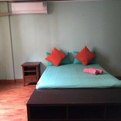 Отель Pin Guest House Бангкок комната для гостей фото 3