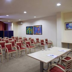 Отель Holiday Inn Express Parma Парма помещение для мероприятий