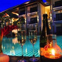 Отель Navatara Phuket Resort гостиничный бар
