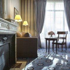Отель Maison Astor Paris, Curio Collection by Hilton удобства в номере