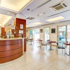 Отель Wally Residence Римини гостиничный бар