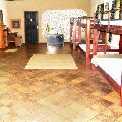 Отель Unity Ecovillage Гана, Мори - отзывы, цены и фото номеров - забронировать отель Unity Ecovillage онлайн интерьер отеля