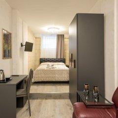 Отель Rifugio degli Artisti Top сейф в номере