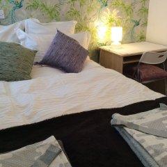 Отель Charming Garden Flat In Central London Великобритания, Лондон - отзывы, цены и фото номеров - забронировать отель Charming Garden Flat In Central London онлайн комната для гостей фото 5
