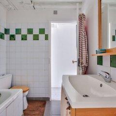 Отель Superbe appartement Saint-Paul - Le Marais Париж ванная фото 2