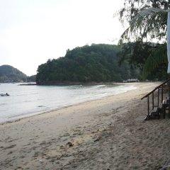 Summer Breeze Inn Hotel пляж