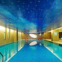 Отель Aloft Zhengzhou Shangjie бассейн